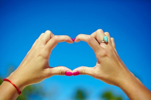 Liebe in der luft in händen