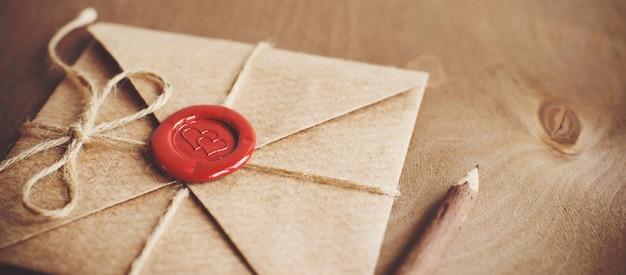 Liebesbrief und bleistift
