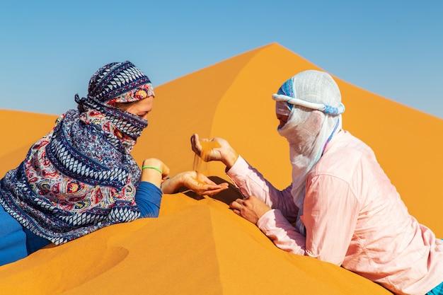 Liebespaar in der sahara