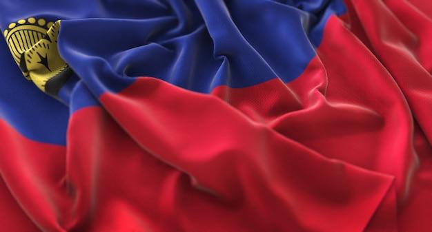 Liechtenstein-flagge gekräuselt wunderschön winken makro nahaufnahme schuss