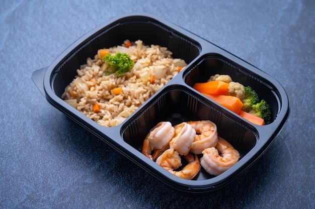 Lieferung lunchboxen essen, flach liegen. gesunde lebensmittellieferung