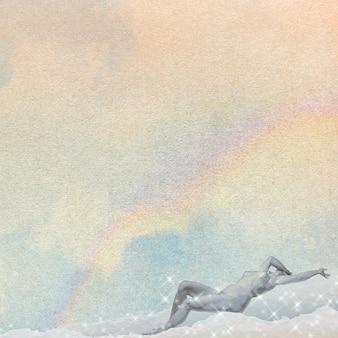 Liegende nackte frau auf einem wolkenhintergrund