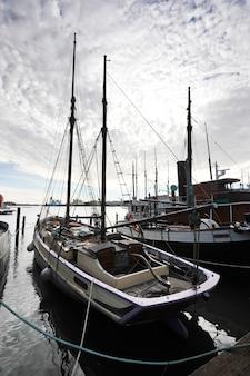 Liegeplatz marina im zentrum von helsinki, finnland