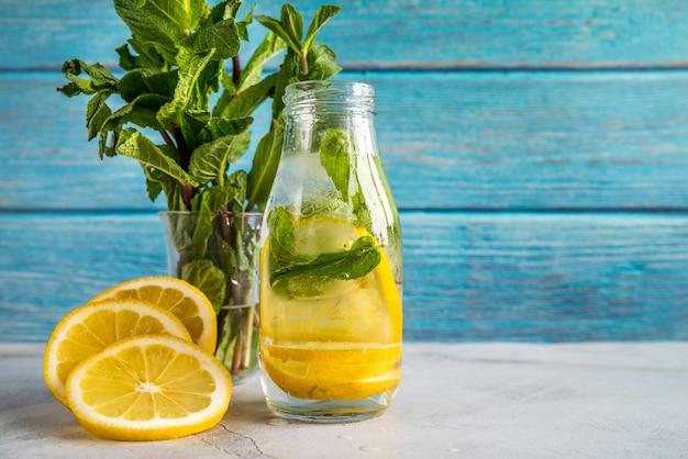 Limonadenstillleben für sommer