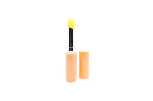Lippenstiftbalsam lokalisiert auf weißem hintergrund.