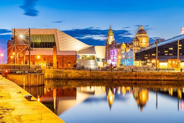 Liverpool skyline pier kopf sonnenuntergang