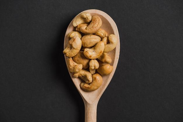 Löffel mit cashews