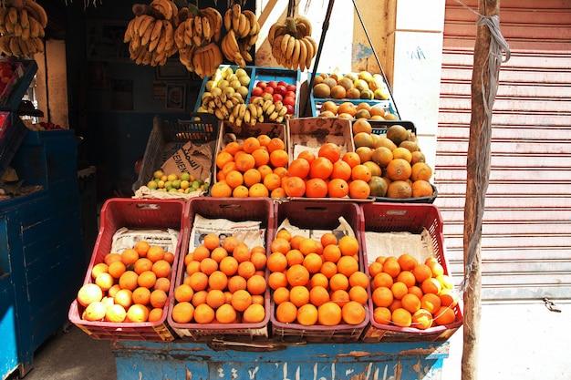 Lokaler markt in luxor-stadt