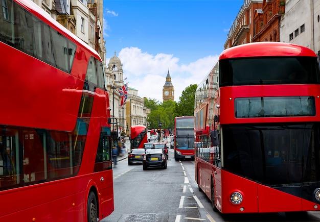 London big ben vom trafalgar square verkehr