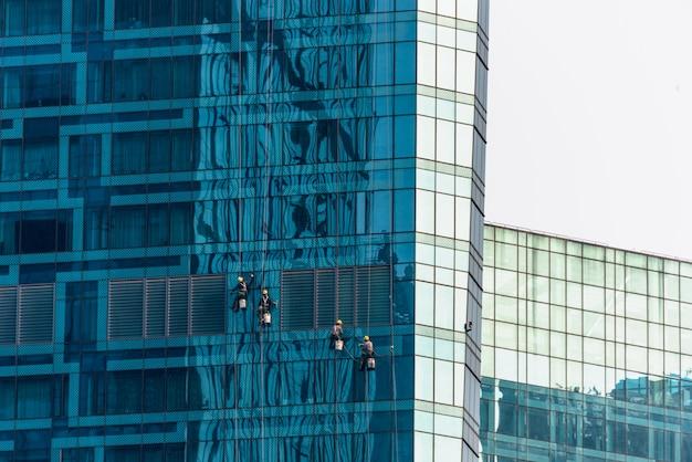 Low angle view von geschäftsgebäuden