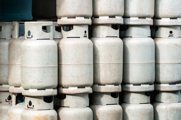Lpg-gasflaschenstapel bereit zum verkauf