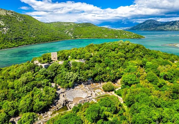Luftaufnahme der archäologischen stätte butrint. in albanien
