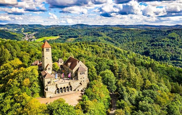 Luftaufnahme der burg wachenburg in weinheim - baden-württemberg, deutschland