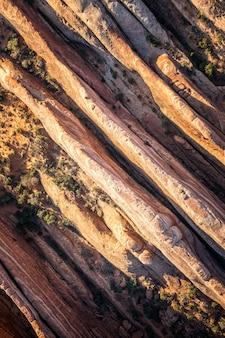 Luftaufnahme der geologischen strukturen des arches national park, utah