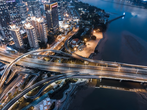 Luftaufnahme der städtischen straßenüberführung in fuzhou, china