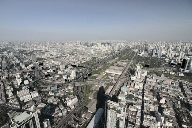 Luftaufnahme der zeitgenössischen modernen gebäude in der stadt bangkok