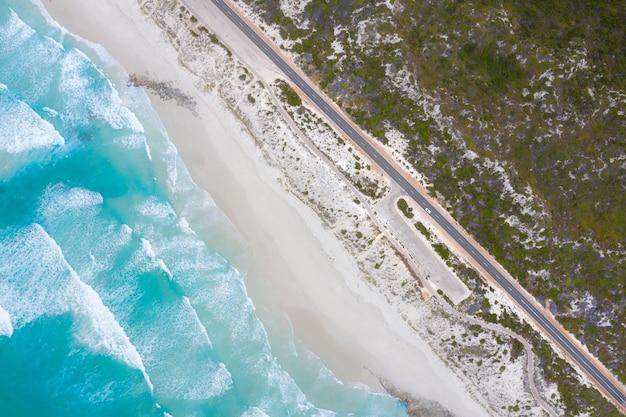 Luftaufnahme des großen ozean-antriebs in esperance, westaustralien, australien. reise- und ferienkonzept.
