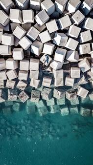 Luftaufnahme des hafens in màlaga, spanien