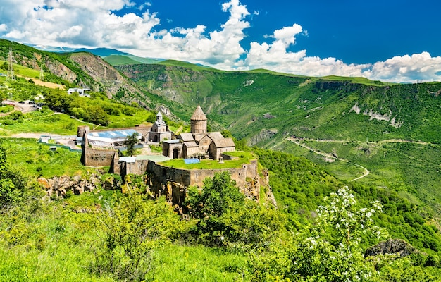 Luftaufnahme des klosters tatev. unesco-welterbe in armenien