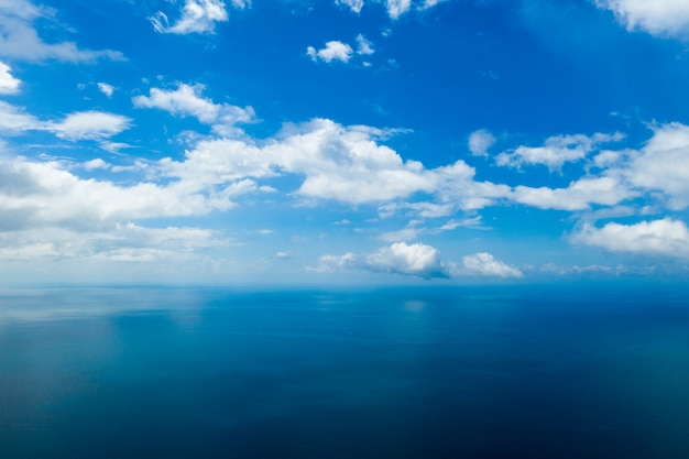 Luftaufnahme des meeres in der tropischen insel sansibar