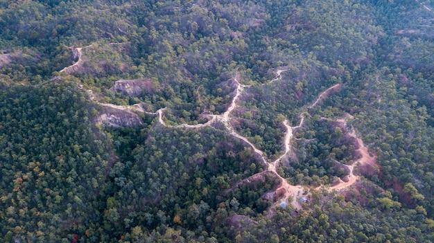Luftaufnahme des pai canyon (kong lan) bei sonnenuntergang, maehongson, nordthailand. schönes thailand