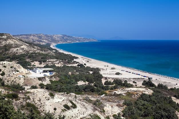 Luftaufnahme des perfekten strandes in kos-insel