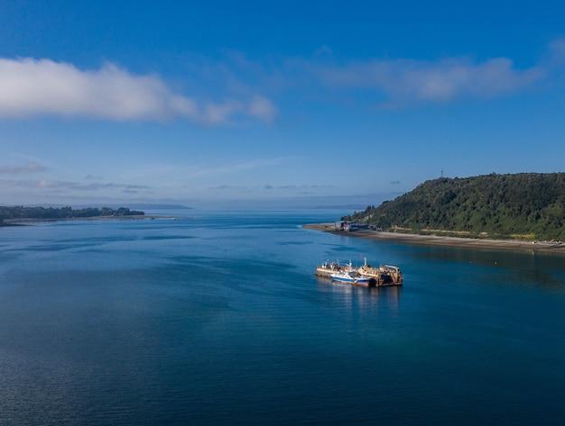 Luftaufnahme des seeschiffs bei puerto montt, chile