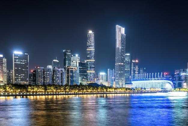 Luftaufnahme von guangzhou pearl river night cruise