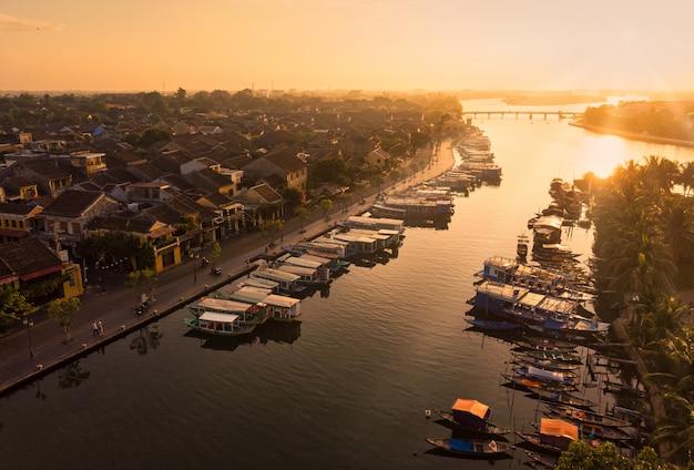 Luftaufnahme von hoi eine alte stadt in vietnam