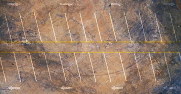 Luftaufnahme von leeren parkplatz