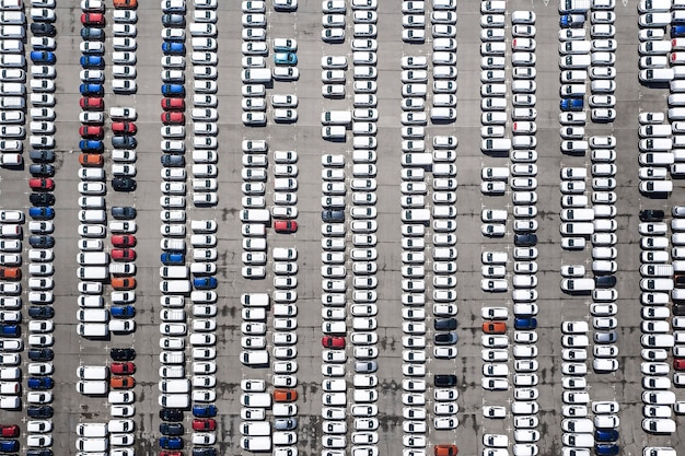 Luftaufnahmen mit parkplatz