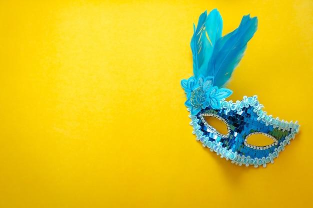 Luftbild der flachen lage des zeichens des karnevalsfestival-hintergrundkonzeptes.
