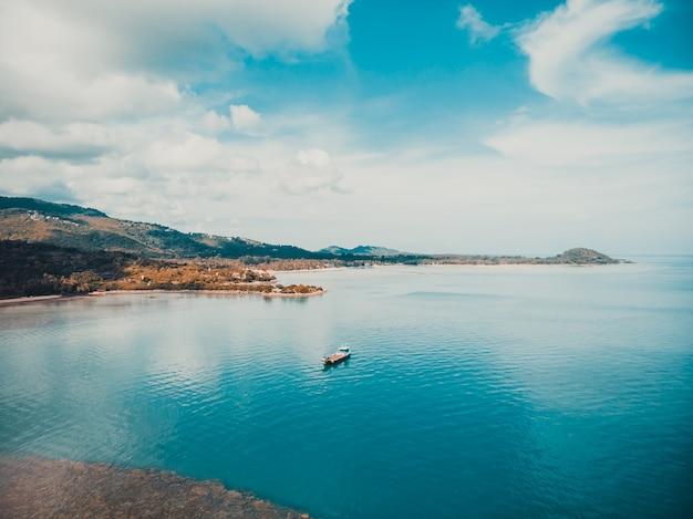 Luftbild des schönen meeres