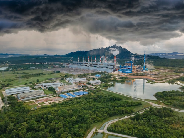 Luftbild, panoramablick auf kohlekraftwerke in einem großen gebiet