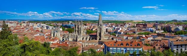Luftbild-skyline von burgos mit kathedrale in spanien