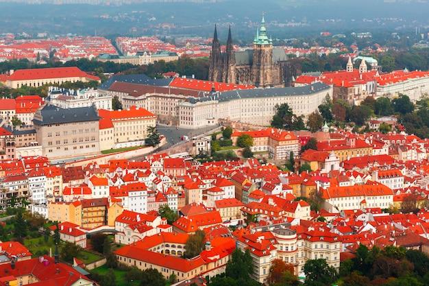 Luftbild über prager burg in prag, tschechische republik