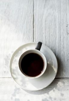 Luftbild von einem heißen kaffee trinken