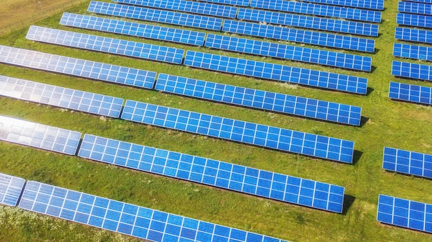 Luftbild von solar panel park