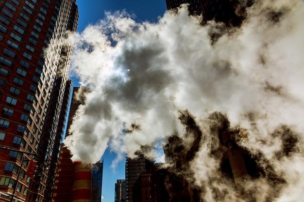 Luftdampf, unfall, reparaturluft auf die straße in midtown manhattan.
