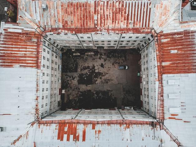 Luftfoto des gebäudes in der mitte von st petersburg, dächer
