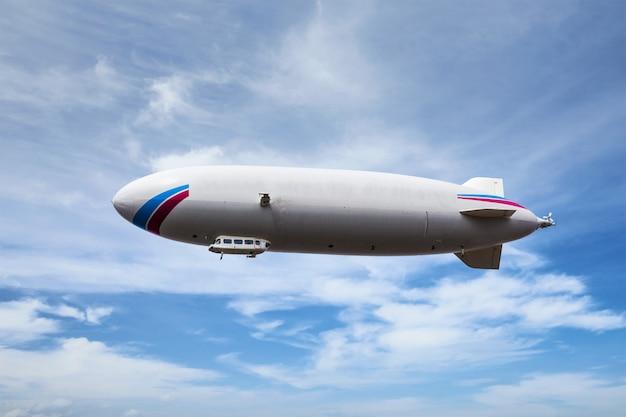 Luftschiff mit zeppelin-luftschiff