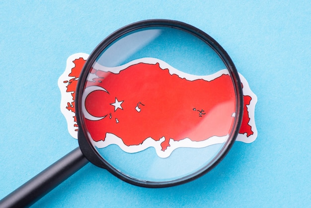 Lupe auf der karte der türkei