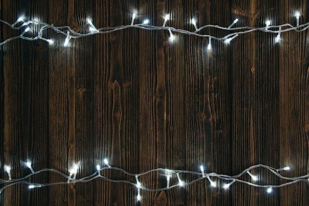 Lust auf blinker glühbirnen oder girlanden und kranz auf holz