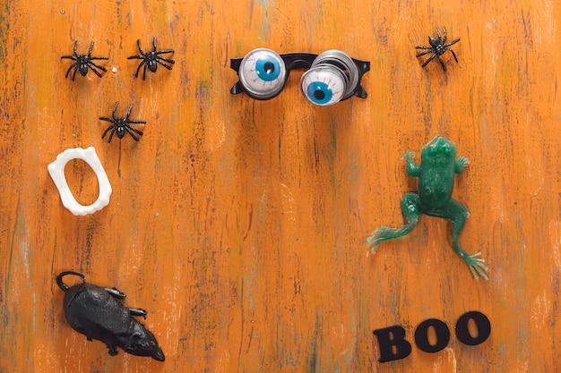 Lustige halloween-sachen und boo-beschriftung