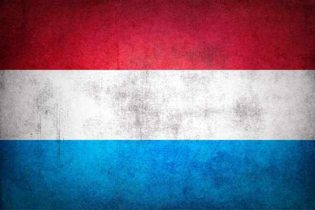 Luxemburg-flagge mit grunge-textur.