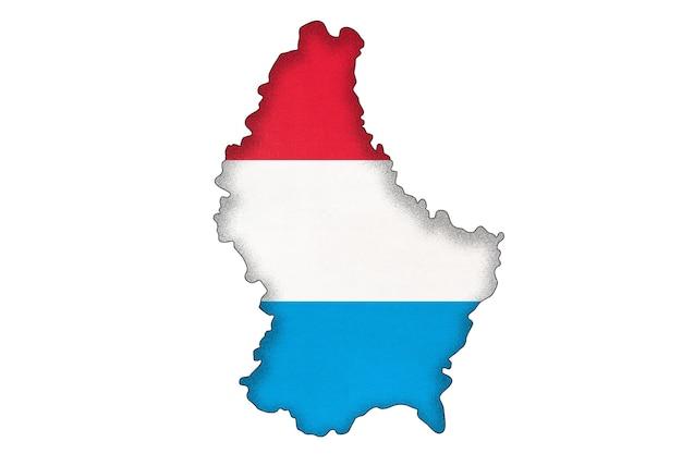 Luxemburg-grenzsilhouette mit nationalflagge auf weißem hintergrund mit kopienraum. kontur des europäischen weltlandes auf der geographiekarte. luxemburgisches offizielles zeichen, kartographie.