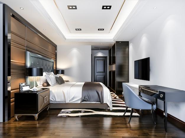 Luxuriöse schlafzimmersuite im hotel mit fernseher und arbeitstisch