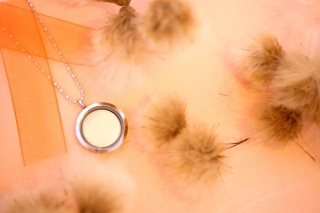 Luxuriöse silberschmuckketten mit glas und kristallen kleines schönes edelmetallgeschenk