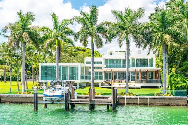 Luxuriöse villa im miami beach, florida, usa