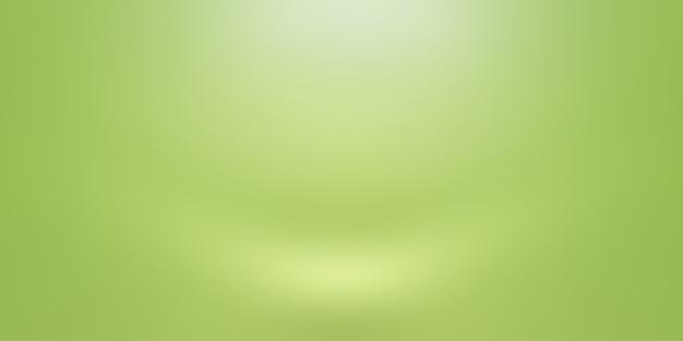 Luxuriöser schlichter grüner farbverlauf abstrakter studiohintergrund leerer raum mit platz für ihren text und ihr bild